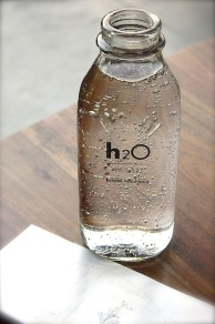 bottle-1838772_640