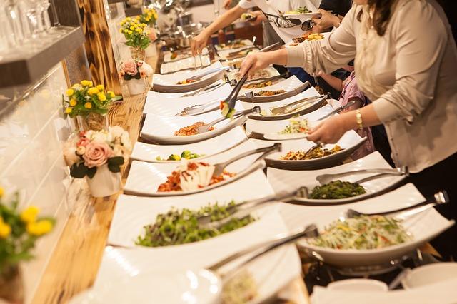buffet-3955616_640.jpg