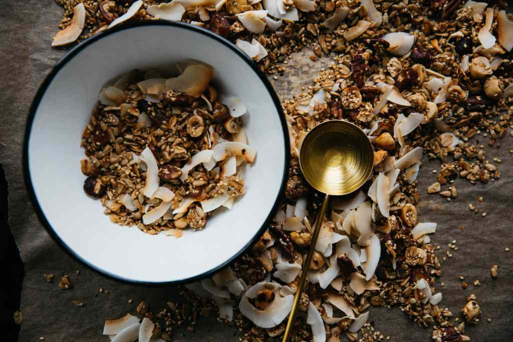 Granola Recipe and cheap ways to eat healthy